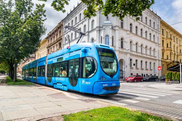Niskopodni tramvaj TMK 2200